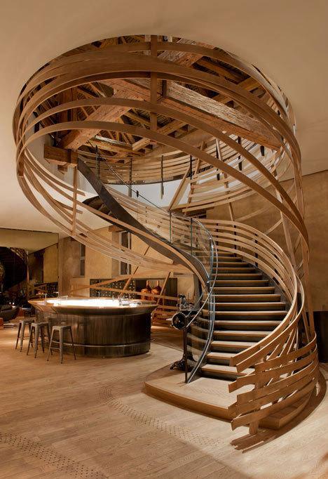 美观实用两不误 定制楼梯须知四要点
